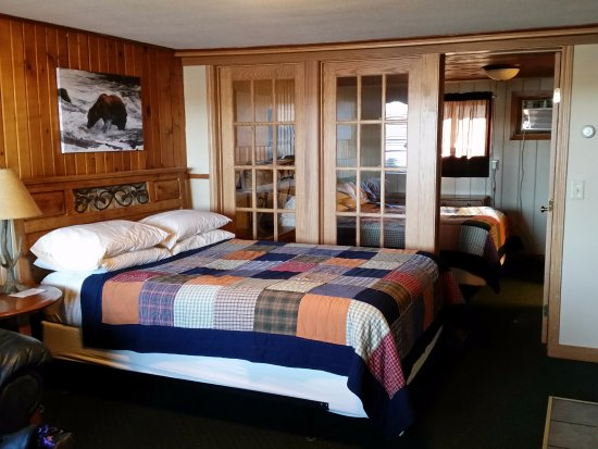 John Hall's Alaskan Lodge : Cozy room at the lodge