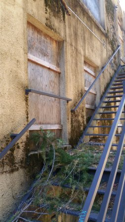 Nevada County Hospital: Old stairway