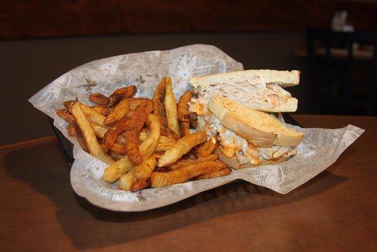 จอร์จทาวน์, เดลาแวร์: The Turkey New Yorker with our hand cut boardwalk fries!