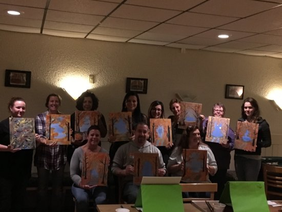 Lake Ariel, PA: Paint & Sangria Nights