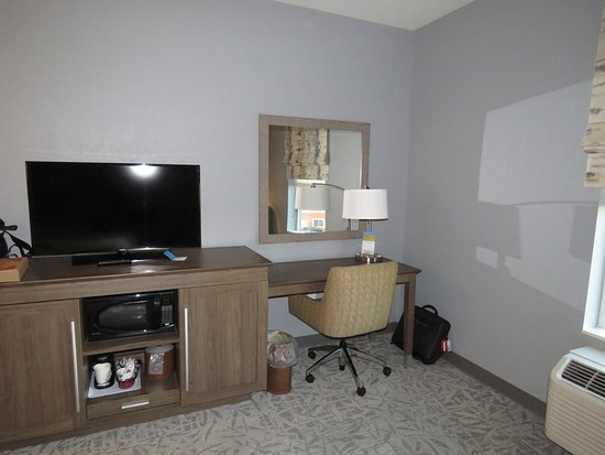 Absecon, NJ: Microwave, fridge, TV and work area