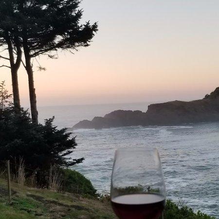 Whale Cove Inn-billede