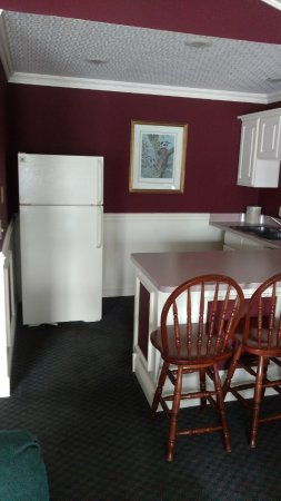 LaPorte, IN: Kitchen in Executive Suite