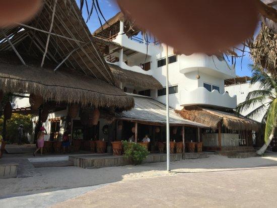 La Posada de los 40 Canones : View of the hotel from the Malecón.