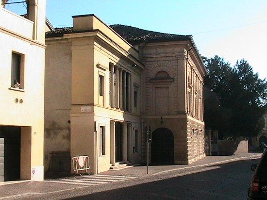Casalmaggiore - Teatro comunale e ''Fastassa'' (il ridotto)