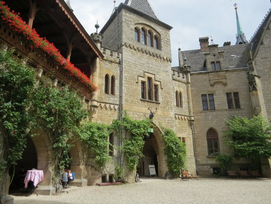 Schloss Restaurant Marienburg: Терраса ресторана