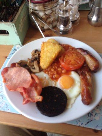 Wantage, UK: Full English for brunch