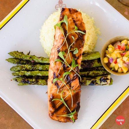 Thiensville, WI: Grilled Macha (Salmon)