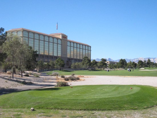 Suncoast Hotel and Casino: view from the golf course