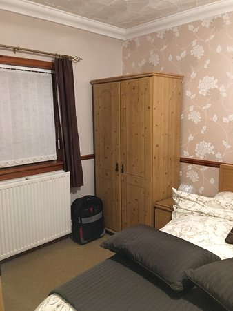 Stranraer, UK: Different room this time and so much more spacious and spotlessly clean . Thanks Lynn for anothe