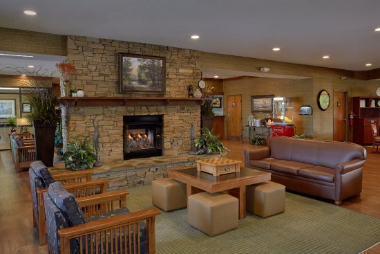 The Inn On The River: Lobby Family Area