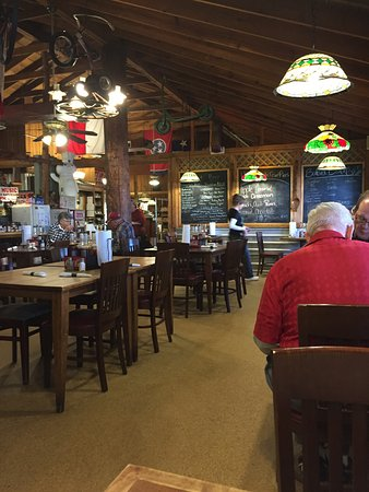 Monteagle, TN: the dining room