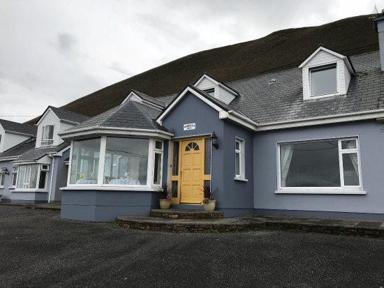 Rossbeigh Beach House B&B: photo1.jpg