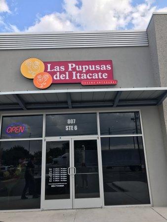 Las Pupusas del Itacate