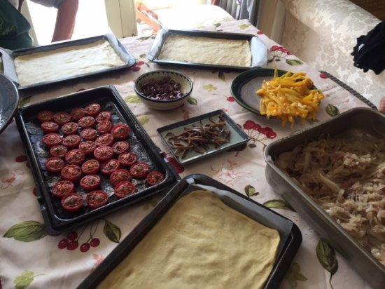 Trebes, Frankrike: Tart ingredients ready to prepare