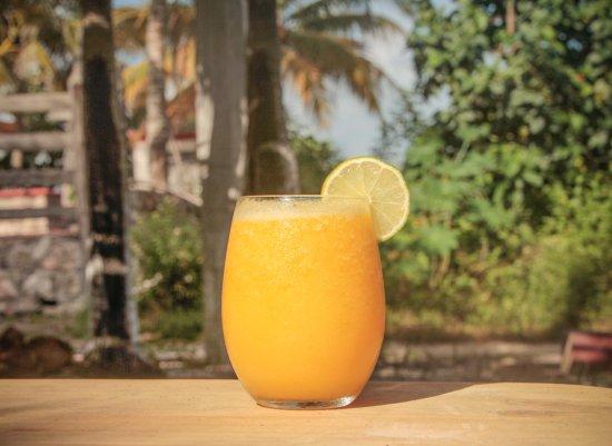 El Cuyo, México: Fresh orange and mango juice