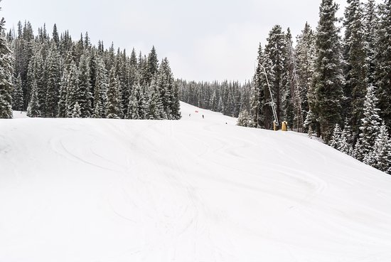 Copper Mountain, CO: Another Beautiful, Uncroweded Run with Fresh Snow