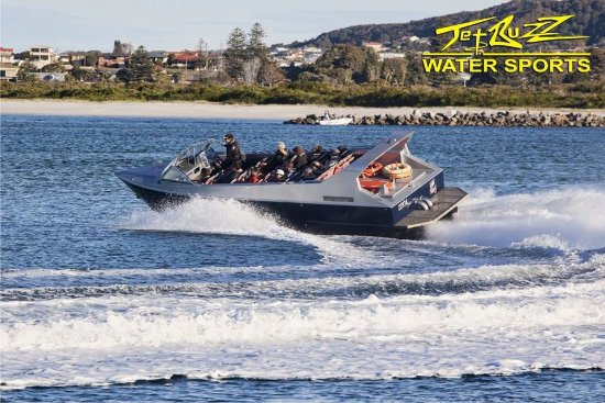 Cams Wharf, Australia: Jet Boat heading to open water