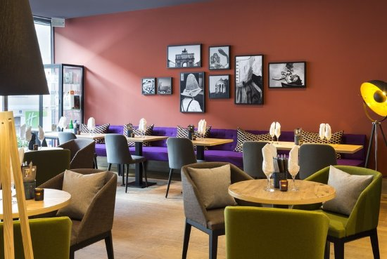 Holiday Inn Munich - City Centre: Isar³ Bar, Cafe and Restaurant Lounge