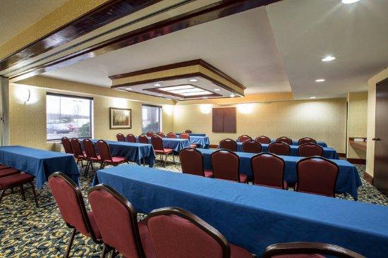 Comfort Suites Outlet Center: CONFRENCE