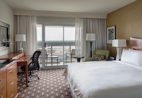 The Woodlands, TX: King Balcony Guest Room