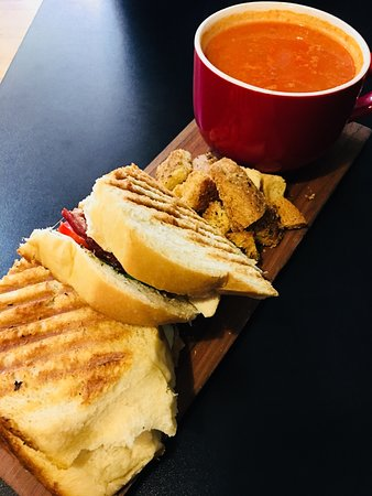 Clinton, IA: Tomato soup and panini
