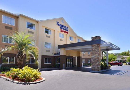 Orange Park, FL: Hotel Exterior / Porte Cochère