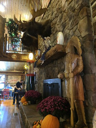 The Swinging Bridge Restaurant: Interior