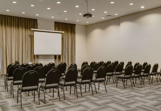 Protea Hotel by Marriott Cape Town Victoria Junction: Meetings & Events - Theater Setup
