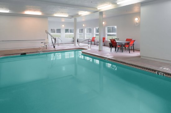 McKinleyville, Californien: Relax by our indoor Swimming Pool