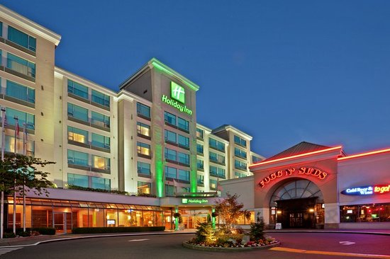 Holiday Inn Vancouver Airport: Hotel Exterior