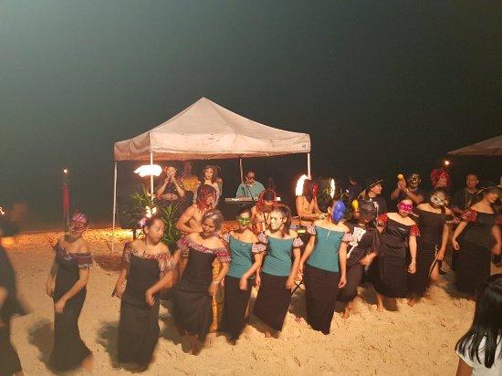 Coco Grove Beach Resort: 20171031_210244_large.jpg