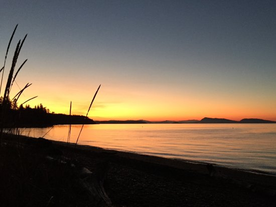 Eastsound, WA: Sunset from my beach chair (supplied)