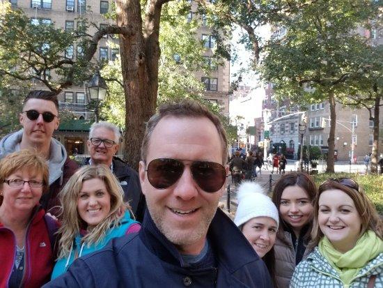Real New York Tours : Dozen Apples Tour 31 Oct