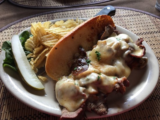 East Helena, MT: The Mushroom Muenster Melt and Lunch Special