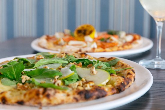 Northcote, New Zealand: Hand made pizzas from 11am