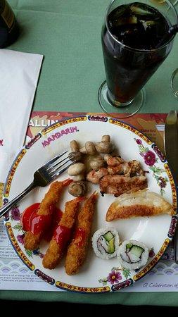 Mandarin Restaurant: Sampler Plate of awesome
