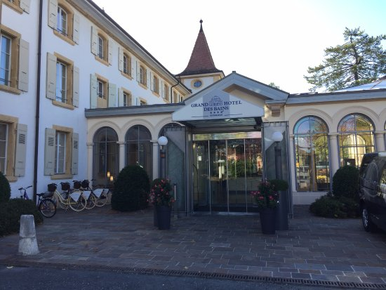 Grand Hôtel et Centre Thermal : In front of the hotel