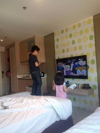 Kids Love The Big Tv With Cartoon Network Picture Of Hotel 101