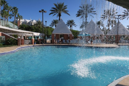 Lake Area Bild Fr N Hilton Grand Vacations At Seaworld Orlando Tripadvisor