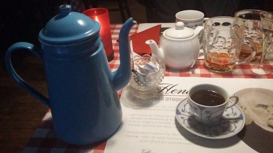 Hos Isidor Henius: Espresso........