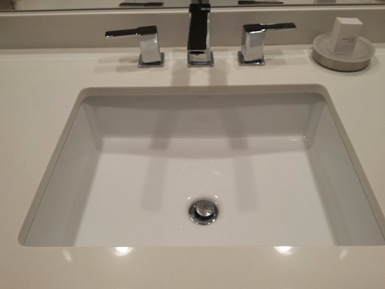 Very clean sink - Picture of Bally\'s Las Vegas Hotel & Casino, Las ...