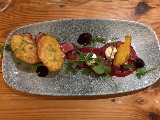 Moretonhampstead, UK: Beetroot and goats cheese starter