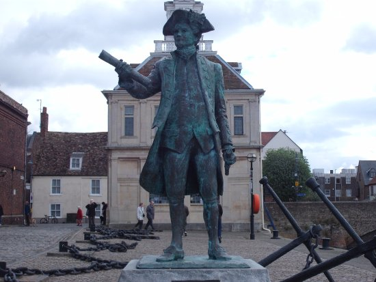 King s Lynn, UK: George Vancouver Statue