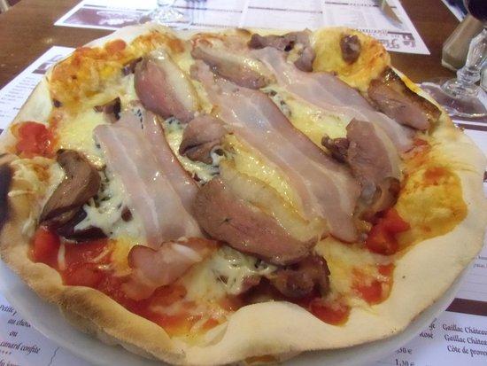 Realmont, Frankrike: pizza magret et gésiers