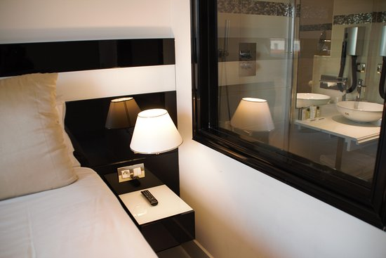 Hotel Aston La Scala : this is the first room that we changed( bathroom view) :D