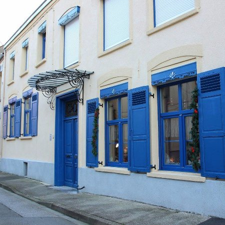 Bourbourg, France: Façade Villa Blanc Marine