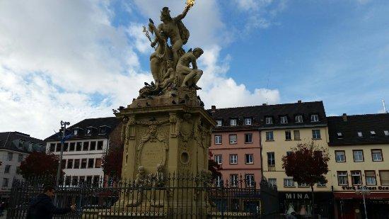 Marktplatz Brunnen