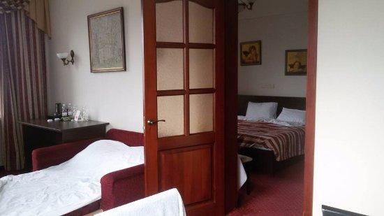Hotel Ukraine: 1009