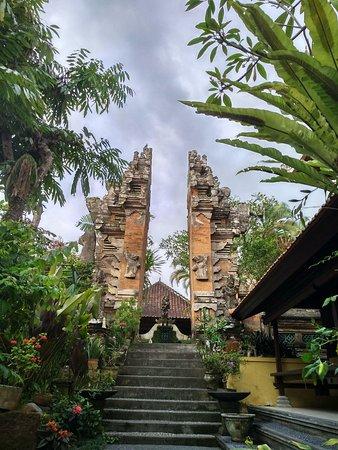 Pura Taman Sari Klungkung